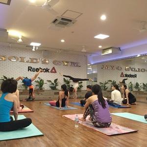 日本のダーマヨガ ⇄ NYのDharma Yoga ①/さいきみか