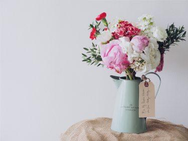 プロから届くお花でお部屋を飾ろう。心を癒すプチプラお花の定期便