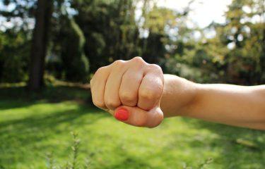 怒りの感情に流されない!気持ちの整頓術を実践してパートナーと上手くつきあう方法。